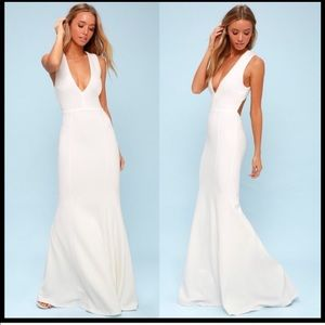 Lulus white plunge neck bare back dress L